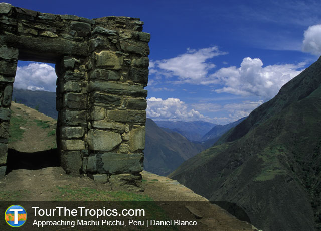 Approaching Machu Picchu - Things to do around Cusco