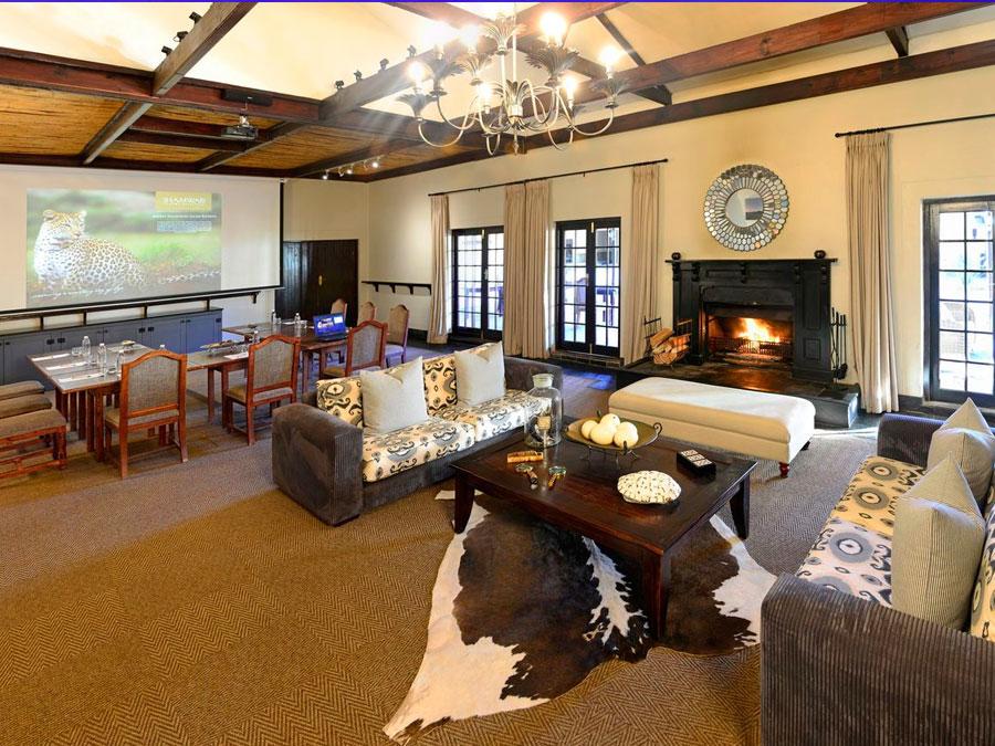 Long Lee Manor