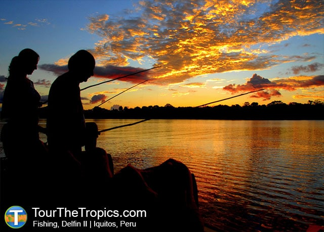 Fishing, Delfin II - Things to do on the Amazon River