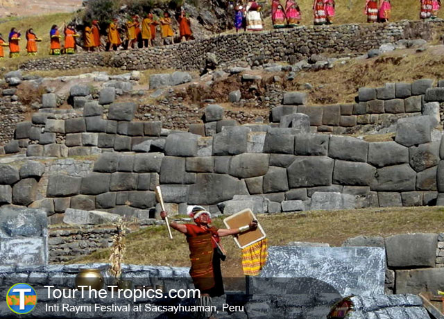 Sacsayhuaman - Top Attractions in Peru
